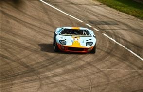 Ford 'Le Mans '66' GT40 Blast Experience from drivingexperience.com