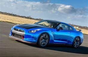 Nissan GT-R R35 Blast Experience from drivingexperience.com