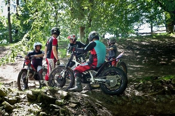 Lads and Dads Motorcycle Novices Two Hour Taster Driving Experience 1